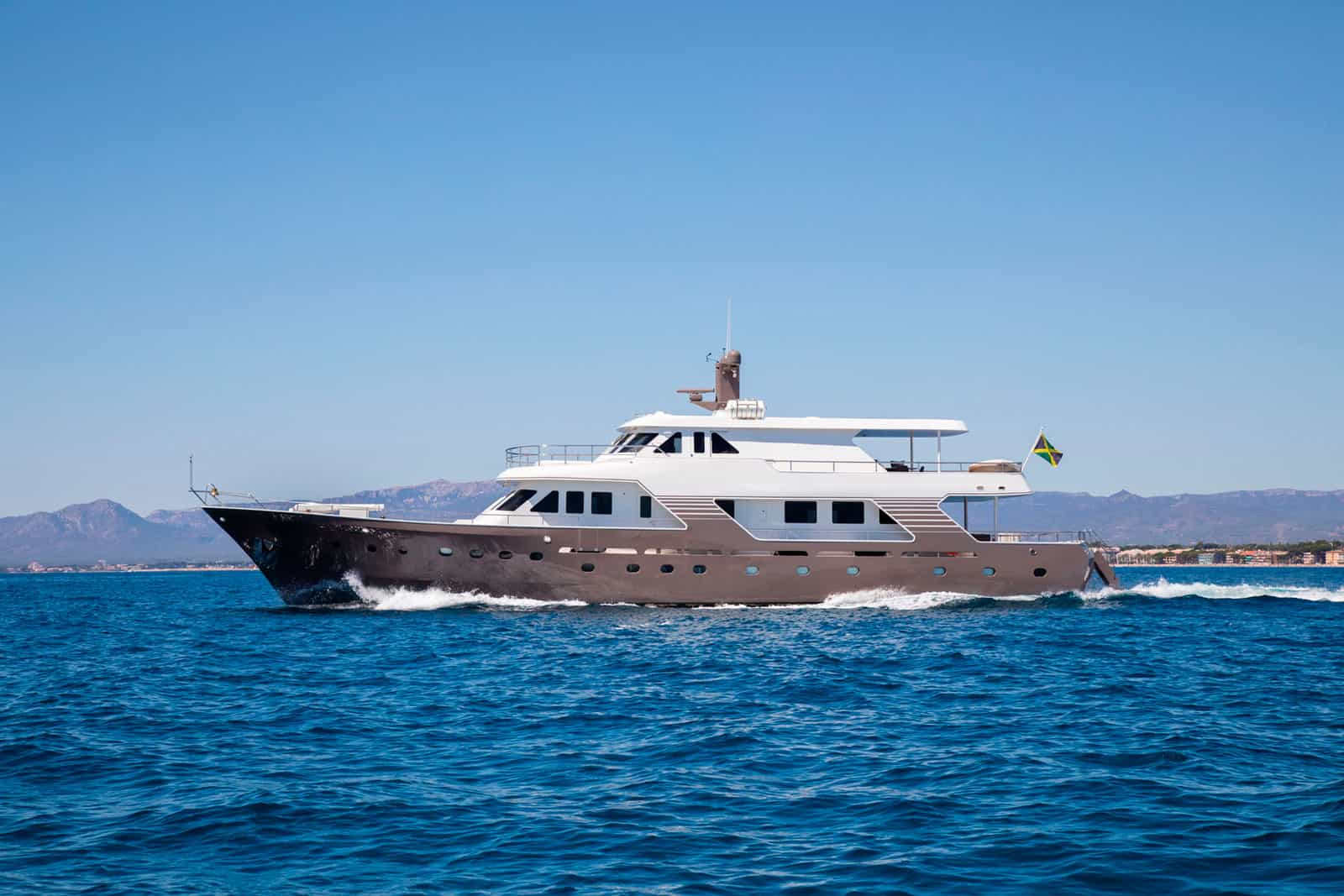 Witsen-and-Vis-33m-Yacht-for-sale-Profile-Principal