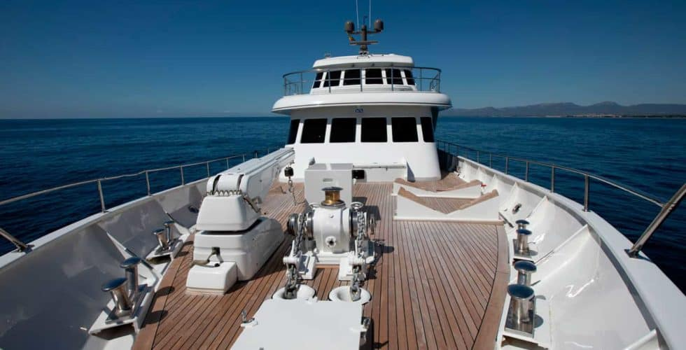 Witsen-and-vis-33m-Yacht-Bow-Area-1