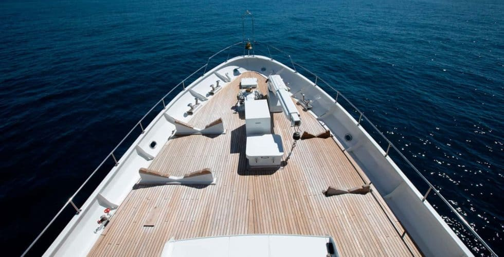 Witsen-and-vis-33m-Yacht-Bow-Area-2