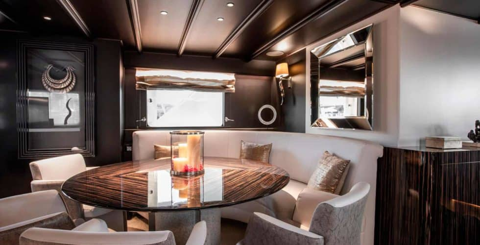 Witsen-and-vis-33m-Yacht-Dining-1