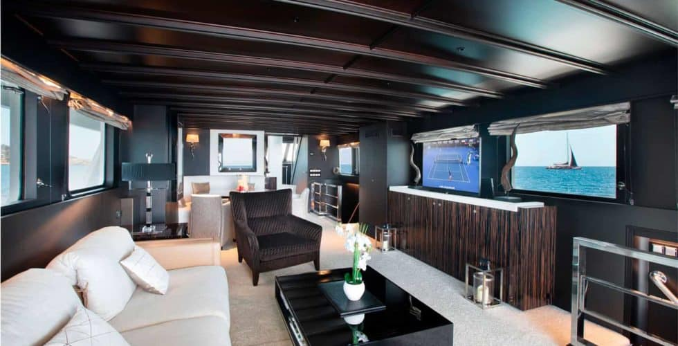 Witsen-and-vis-33m-Yacht-Salon-Front-View-2