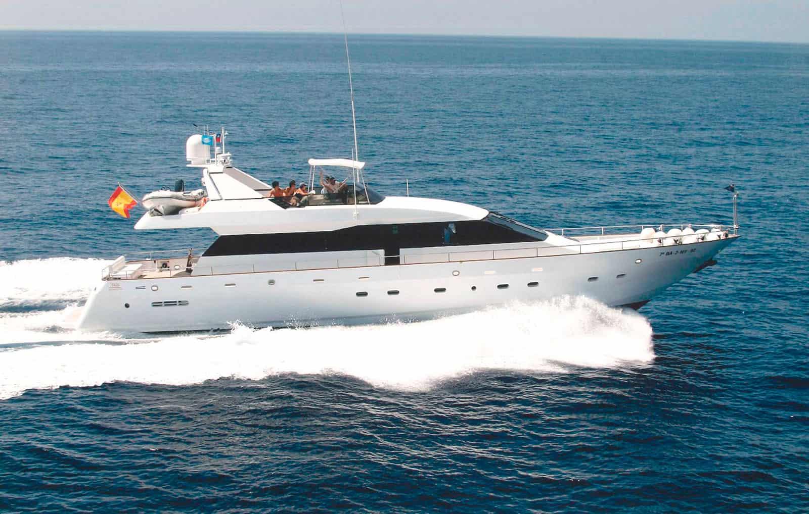 Viudes-83-Motor-Yacht-Profile