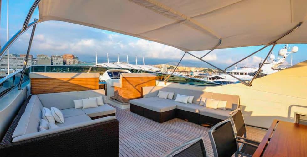 Bertona-Canados-116-Motor-Yacht-Flybridge