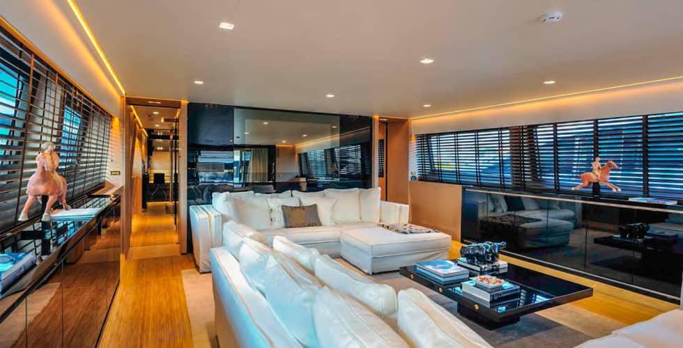 Bertona-Canados-116-Motor-Yacht-Main-Salon