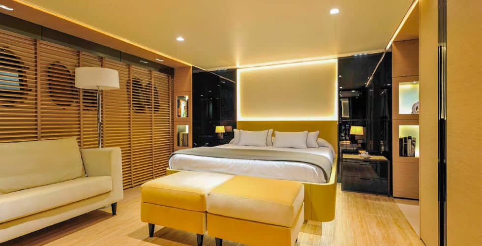 Bertona-Canados-116-Motor-Yacht-Master-Stateroom