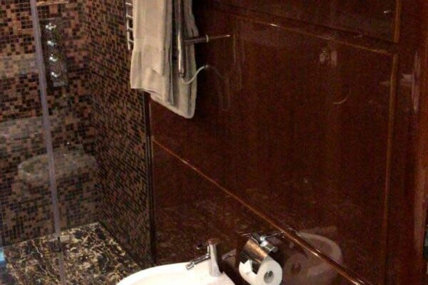 Princess-95-Motor-Yacht-Bathroom-Master-Details