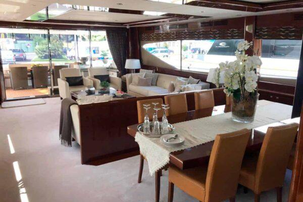 Princess-95-Motor-Yacht-Dining-and-salon