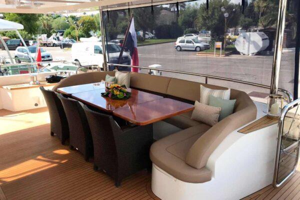 Princess-95-Motor-Yacht-Exterior