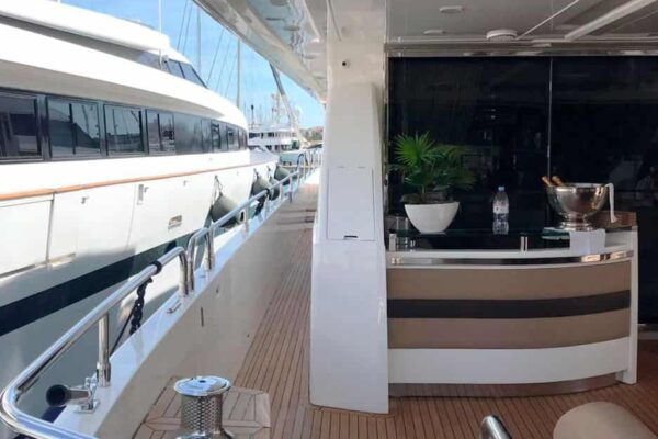 Princess-95-Motor-Yacht-Exterior-Details-2