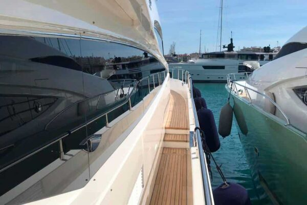Princess-95-Motor-Yacht-Exterior-Details