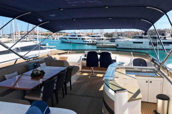Princess-95-Motor-Yacht-Flybridge