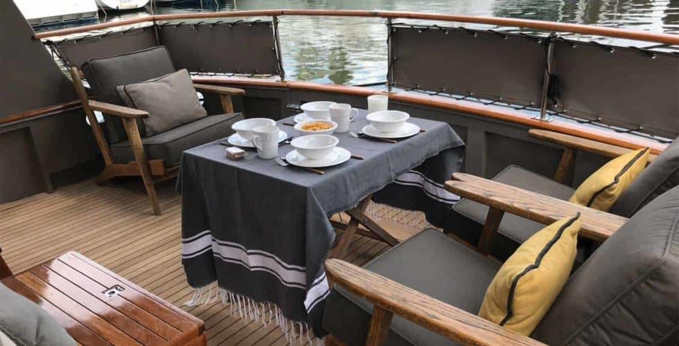 Gypsy-Island-36-Motor-Yacht-Exterior-Flybridge-Cockpit-Area