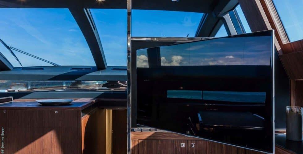 8710-Riva 88 Domino Super-Interior Details-TV