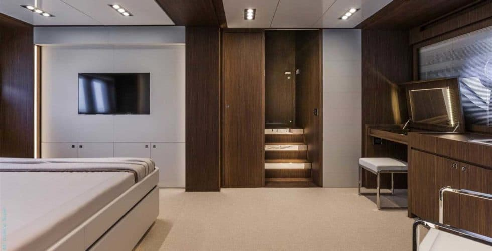 8718-Riva 88 Domino Super-Master cabin