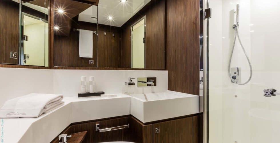 8728-Riva 88 Domino Super- Vip Toilette