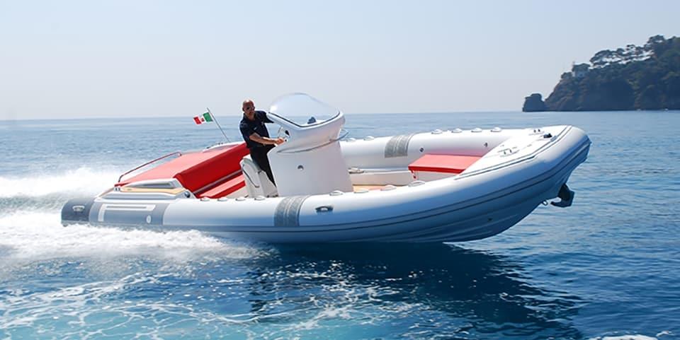 Speedboat - Pirelli 880