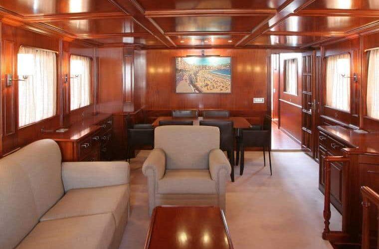Benetti 26D - Motor Yacht - Interior - salon - Aft View