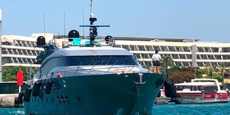 Palmer-Johnson-PJ120-Escape-Motor Yacht-Exterior-Bow-View