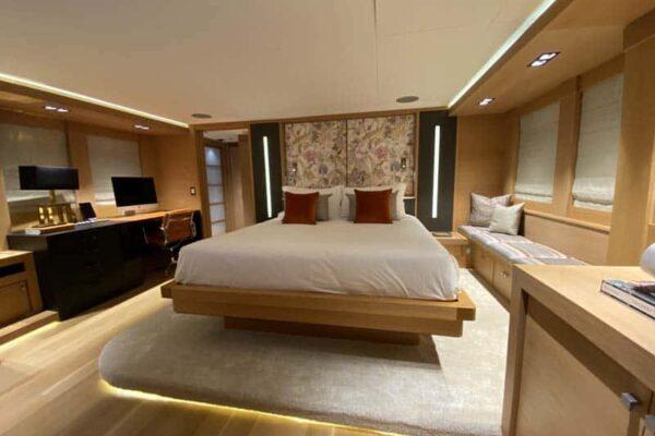 Palmer Johnson PJ120 Escape Motor Yacht Master Cabin