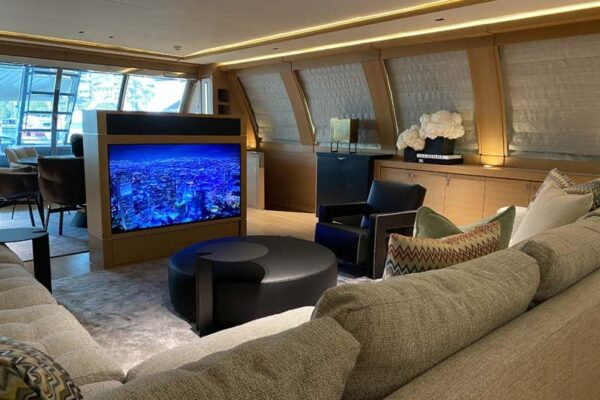 Palmer Johnson PJ120 Escape Motor Yacht Salon
