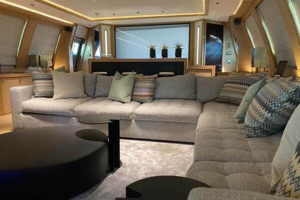 Palmer Johnson PJ120 Escape Motor Yacht Lounge
