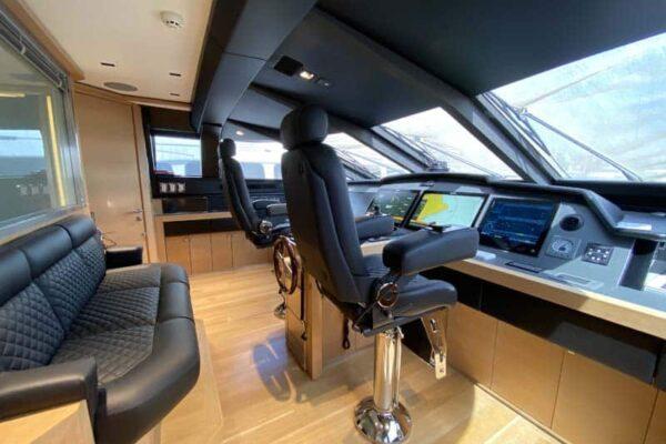 Palmer Johnson PJ120 Escape Motor Yacht Wheelhouse