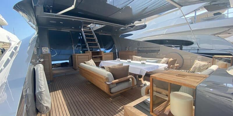 Palmer-Johnson-PJ120-Motor-Yacht-Aft-Dining-Area