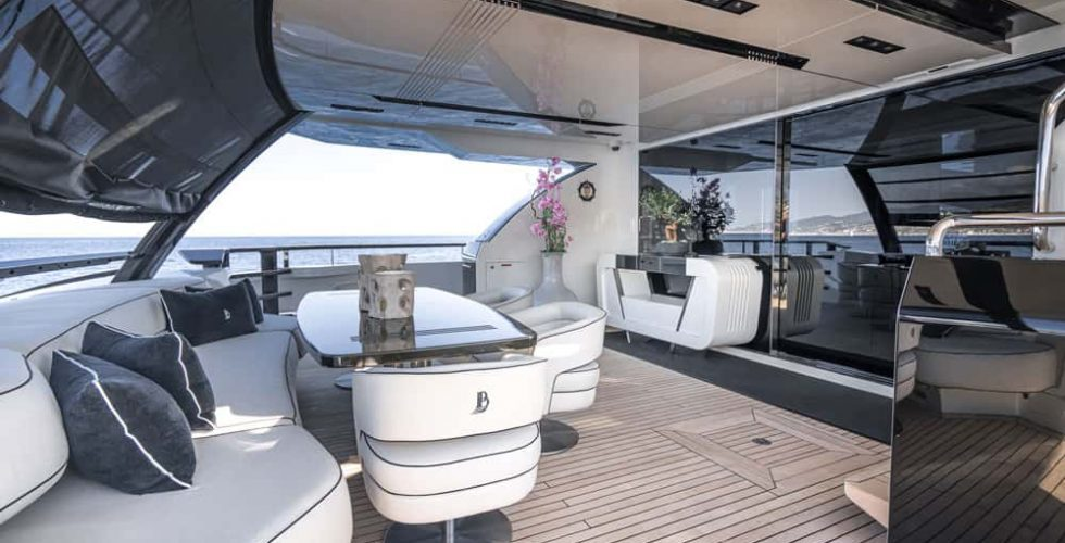 Paula-&-Biel-peri-37-motor-yacht-exterior-aft-deck