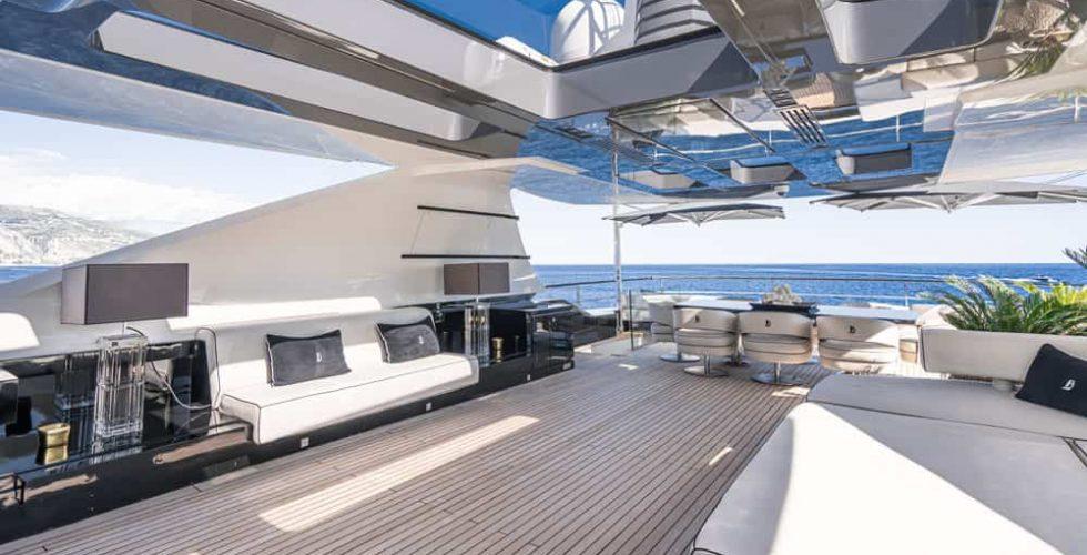 Paula-&-Biel-peri-37-motor-yacht-exterior-lounge-and-dining-flybridge