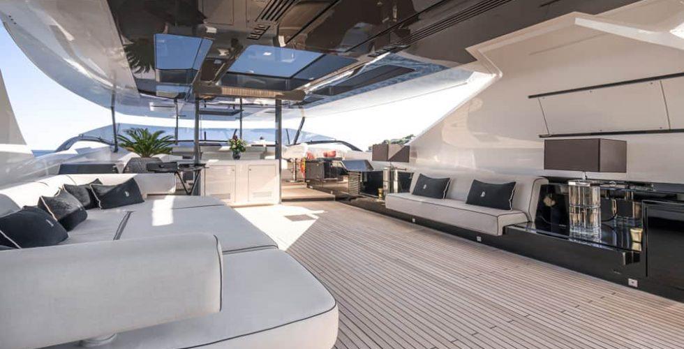 Paula-&-Biel-peri-37-motor-yacht-exterior-lounge-flybridge