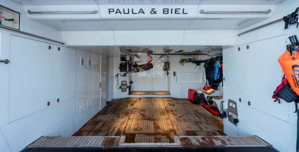 Paula-&-Biel-peri-37-motor-yacht-exterior-stern-garage