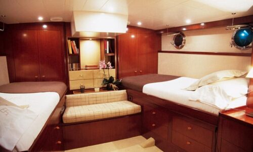 Silver-58-Classic-Motor-Yacht-Interior-Double-Cabin