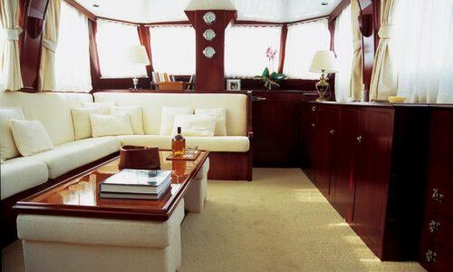 Silver-58-Classic-Motor-Yacht-Interior-Salon