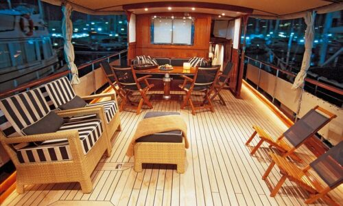 Silver-58-Motor-Yacht-Exterior-Aft-Deck