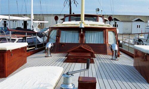 Silver-58-Motor-Yacht-Exterior-Bow-Area