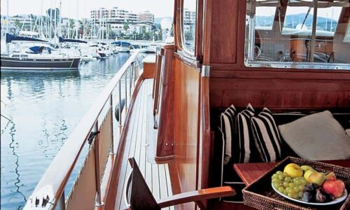 Silver-58-Motor-Yacht-Exterior-Details