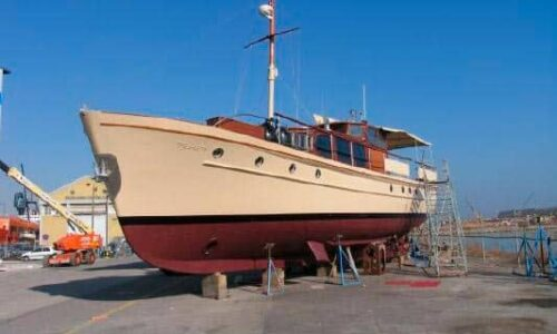 Silver-58-Motor-Yacht-Painting-Works
