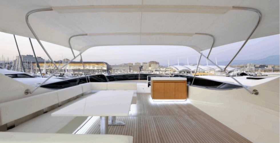 Flybridge - Canados 86 motor yacht