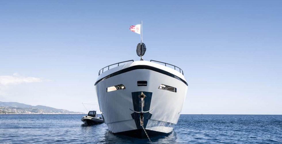 Paula-&-Biel-peri-37-motor-yacht-exterior-bow-view