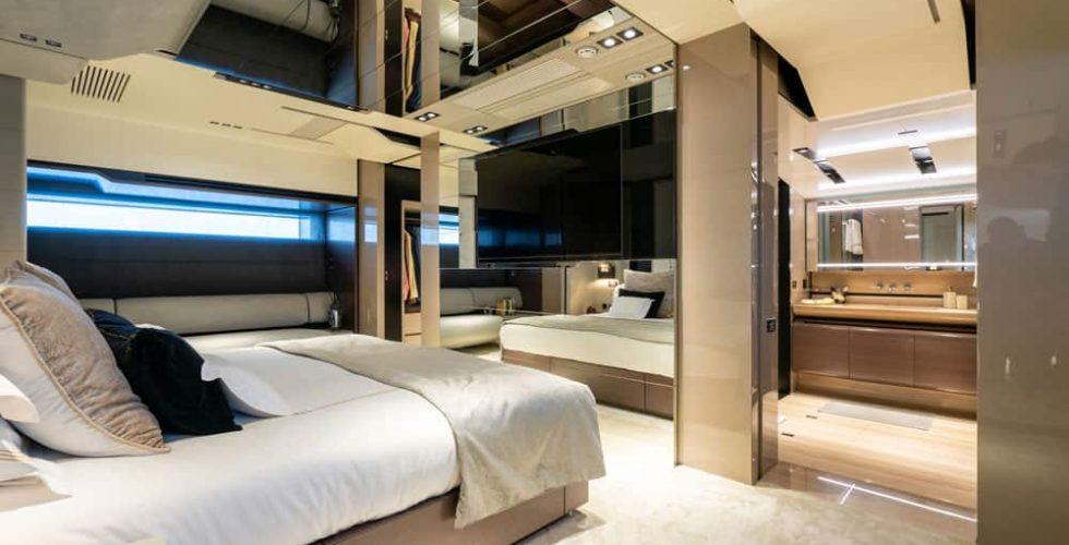 Paula-&-Biel-peri-37m-motor-yacht-interior-master-cabin-ensuite