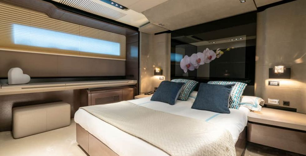 Paula-&-Biel-peri-37m-motor-yacht-interior-vip-cabin