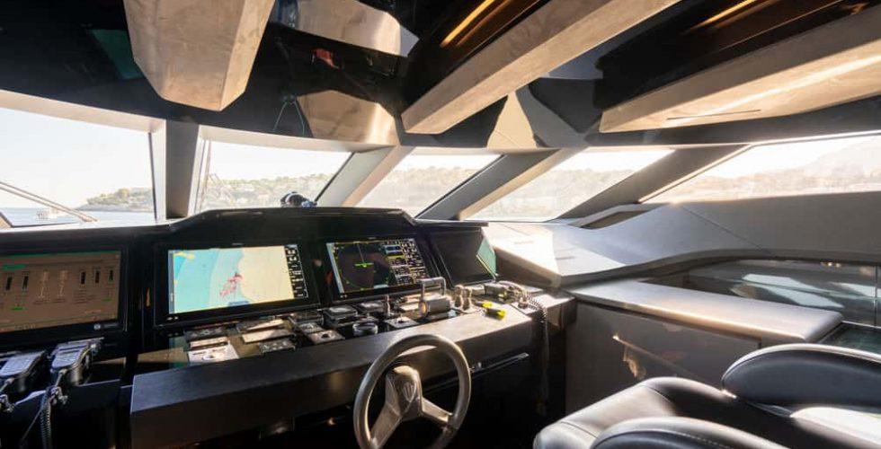 Paula-&-Biel-peri-37m-motor-yacht-interior-wheelhouse